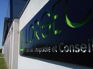 Atelier-Enseignes-Bandeau-lumineux-leds-Lorgec-Metz-57
