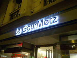 Atelier-Enseignes-Lettres-lumineuses-leds-Rue-Pasteur-Metz-57