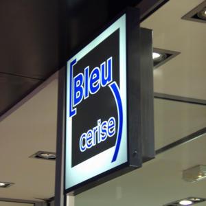 Atelier-Enseignes-Caisson-lumineux-Bleu-Cerise-Houdemond-54