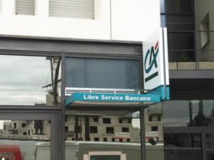 Atelier-Enseignes-Bandeau-Laque-Lumineux-tubes-BT-Credit-Agricole-01-Nancy-57