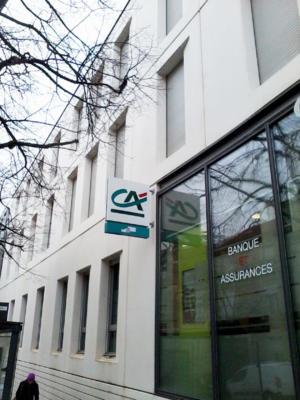 Atelier-Enseignes-Bandeau-Laque-Lumineux-tubes-BT-Credit-Agricole-02-Nancy-57