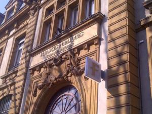 Atelier-Enseignes-Bandeau-et-plexi-Finances-Publiques-Direction-Regionale-Metz-57