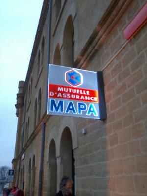 Atelier-Enseignes-Verre-lumineux-leds-Mapa-Metz-Bv-de-Treves-57