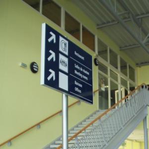 Atelier-Enseignes-Panneau-suspendu-Aeroport-de-Vatry-2-51