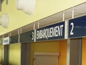 Atelier-Enseignes-Panneau-suspendu-Aeroport-de-Vatry-3-51