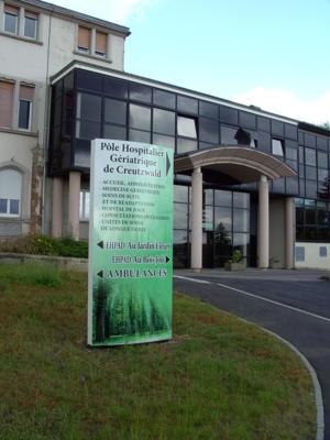 Atelier-Enseignes-Totem-bombe-alu-impression-numerique-Centre-Hospitalier-de-Creutzwald-57