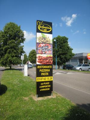 Atelier-Enseignes-Totem-dibond-Pizzeria-Valentino-Augny-57