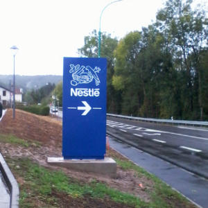 Atelier-Enseignes-Totem-energie-solaire-Nestle-Epinal-88