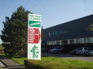 Atelier-Enseignes-Totem-plat-alu-Fabre-Metz-57