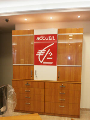 Atelier-Enseignes-Porte-affiche-1-Caisse-d-Epargne-Romilly-51
