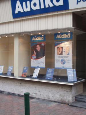 Atelier-Enseignes-Portes-affiches-Audika-Forbach-57