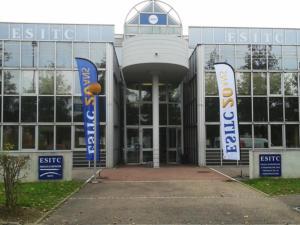 Atelier-Enseignes-Oriflamme-ESITC-1-Metz-57