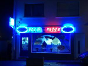 Atelier-Enseignes-Tube-HT-Pacific-Pizza-Longeville-les-Saint-Avold-57