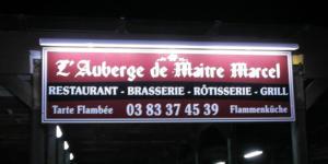 Atelier-Enseignes-Rampe-tubes-BT-Karlsbrau-Auberge-de-Maitre-Marcel-54