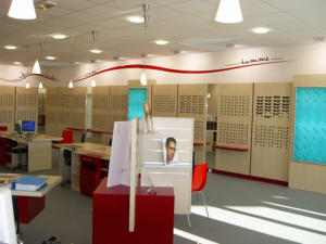 Atelier-Enseignes-Inscription-adhesif-murale-Discount-Optique-Essey-les-Nancy-57