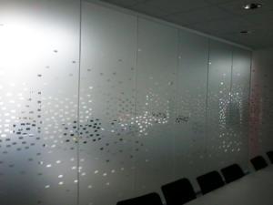Atelier-Enseignes-Inscription-adhesif-depoli-02-Cryolor-Ennery-57