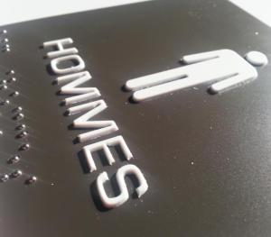 Atelier-Enseignes-Plaque-Relief-et-Braille-04